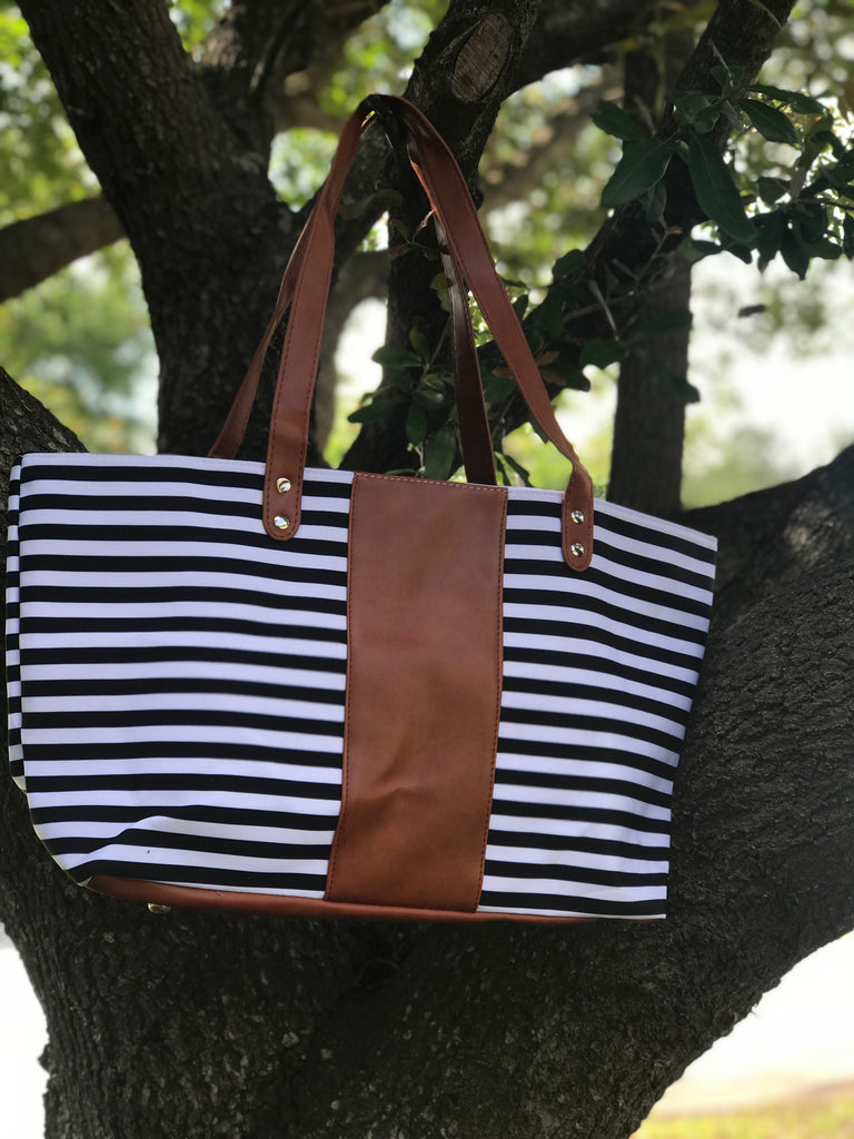 Bags : Black stripe Brown middle purse