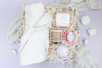 Luxe Mama gift box contents