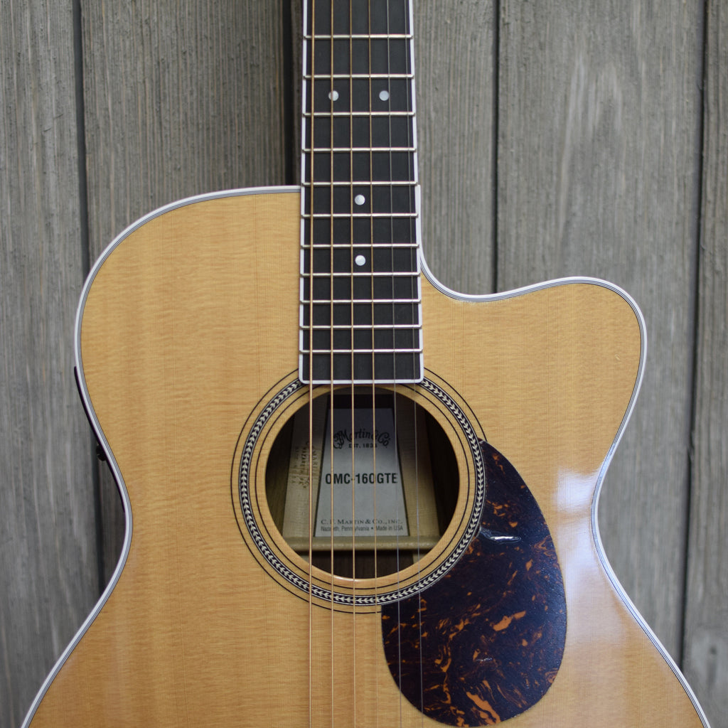 Martin OMC-160GTE w/ OHSC (Used - 2012)
