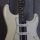 "Fender ""Girls Rock"" Stratocaster w/ OHSC (Used - 2008)"