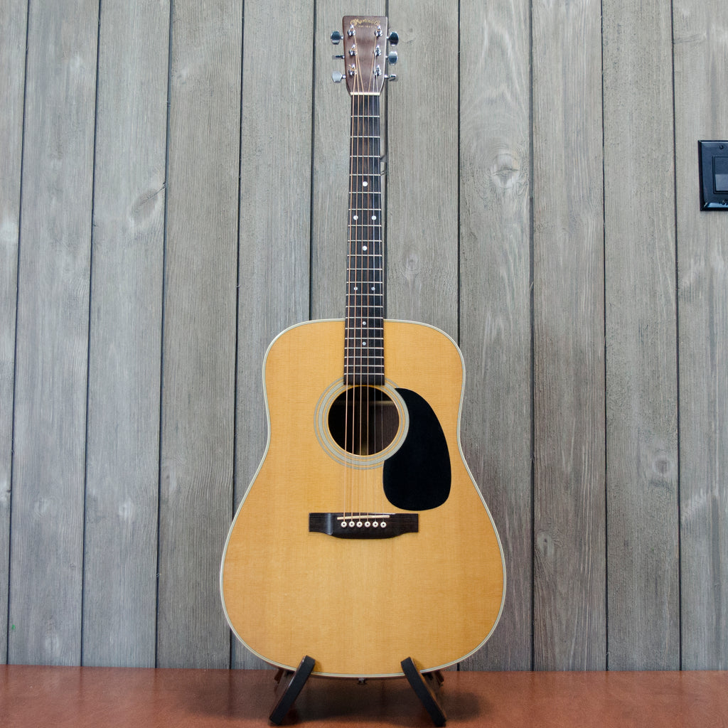 Martin D-28 w/ OHSC (Used - 1994)