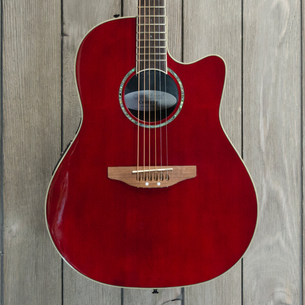Ovation G057 Celebrity w/ HSC (Used - Recent)