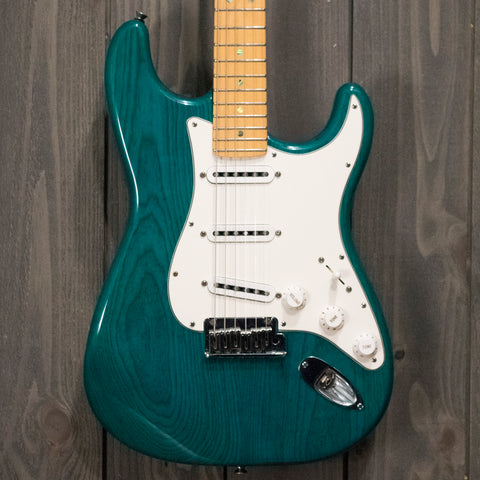 Fender Stratocaster Deluxe w/ OHSC & Case Candy (Used - 2015)