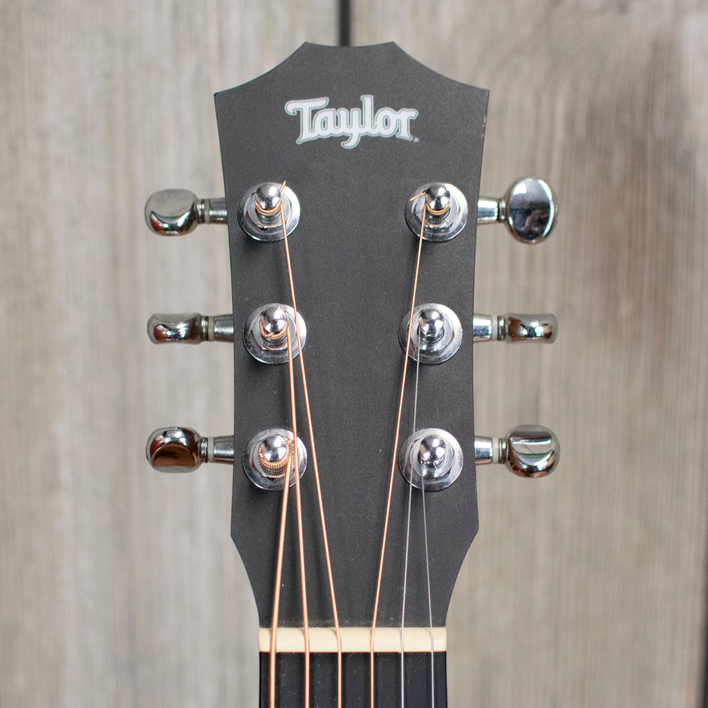 "Taylor Baby ""Taylor Swift"" Model w/ SSC (Used - 2012)"