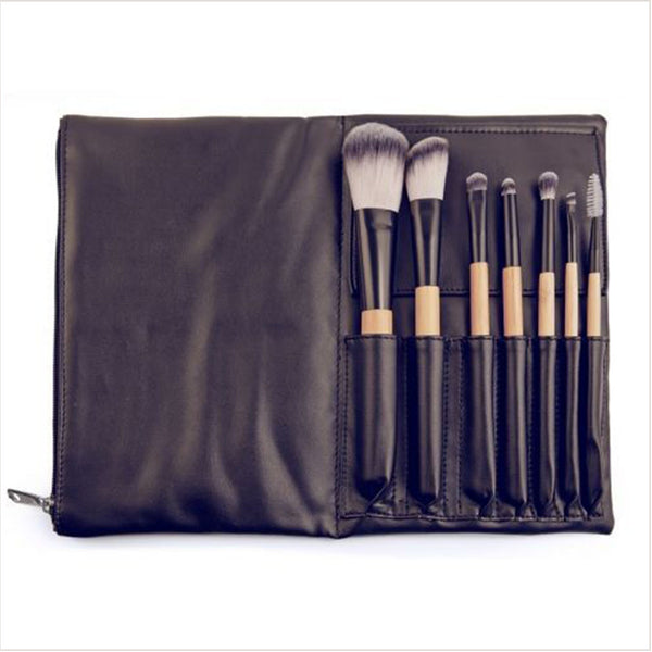 The Travel Brush Set