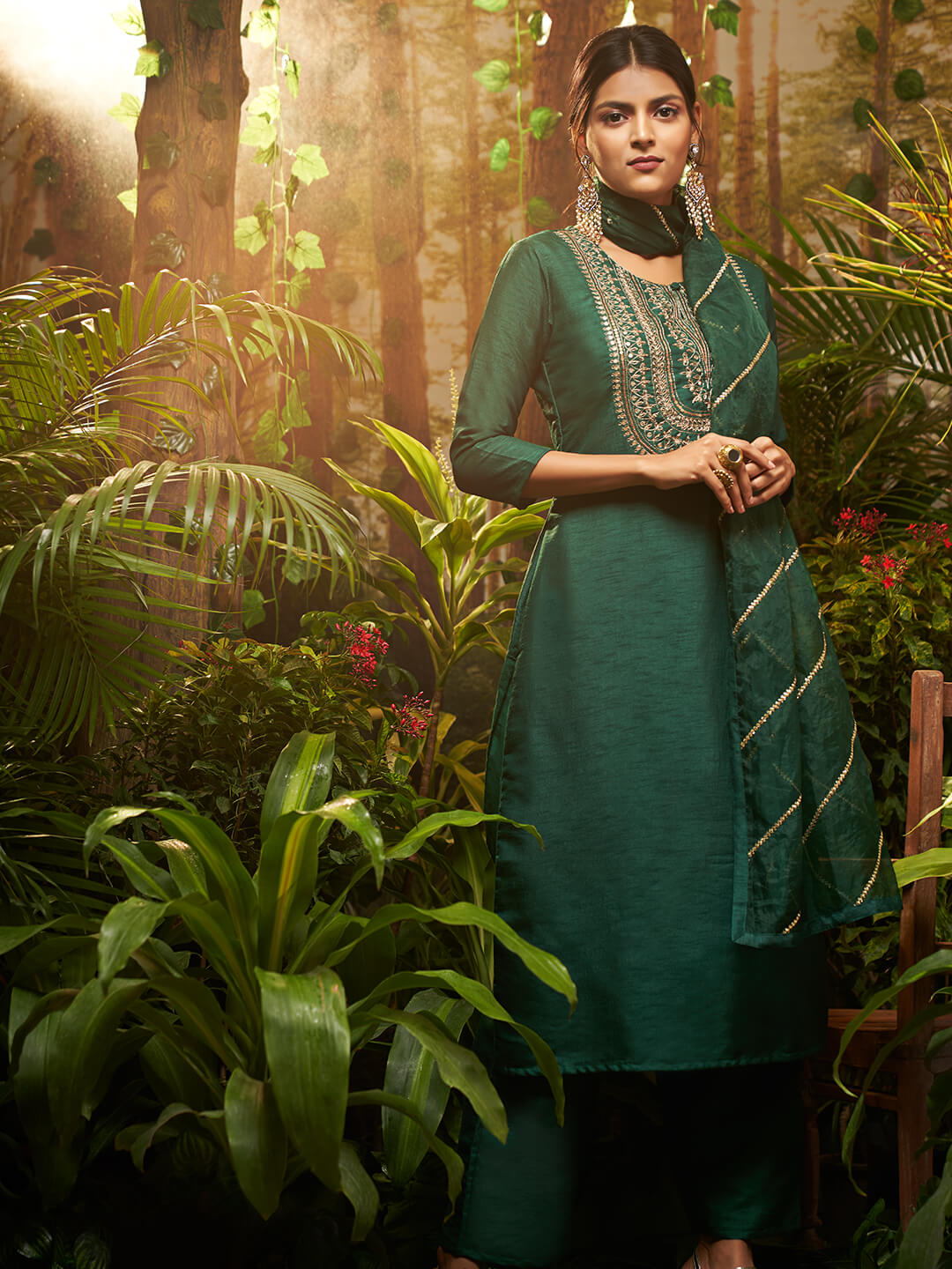 Heavy Embroidered Yoke with Solid Ankle Pant with embroidered Dupatta – Green