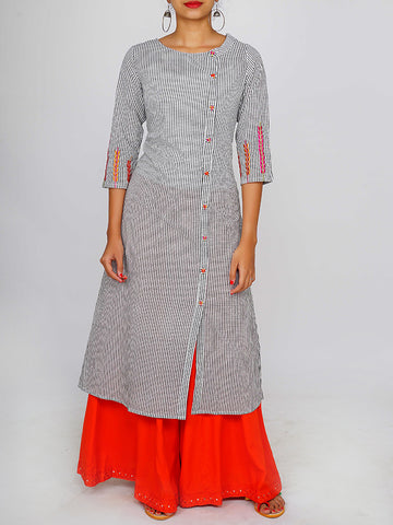 Resham Baile & Resham Work Buttoned Chequered Cotton Kurti