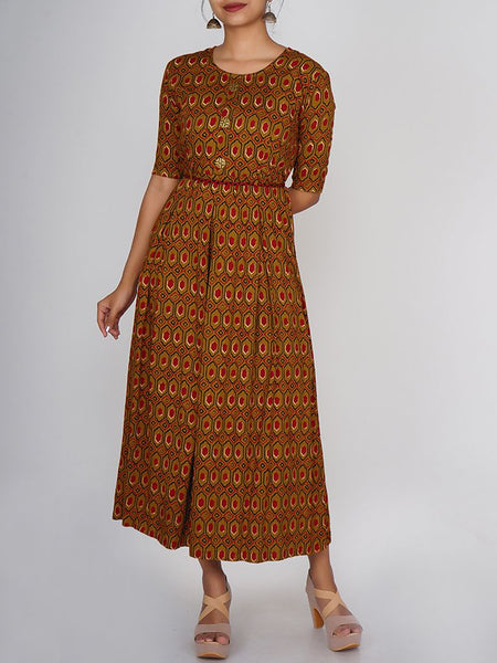 Braided Waist Belt With Golden Floral Buttoned Pleated Kurti