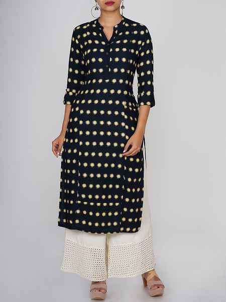Rustic Metal Buttoned Geometric Print Cotton Handloom Kurti