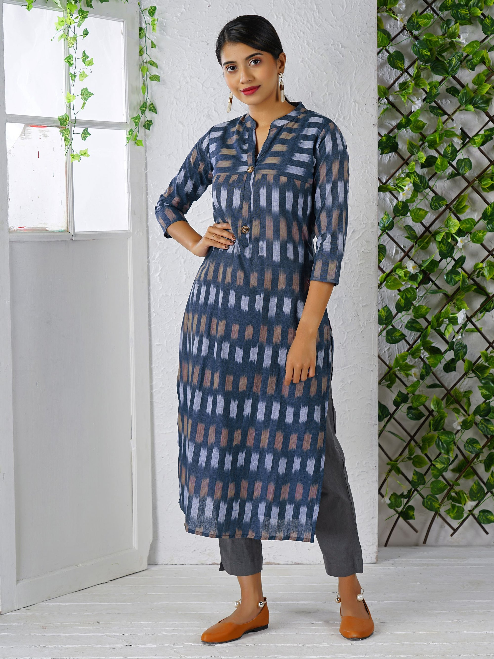 Ikkat Printed Wooden Buttonned Cotton Kurti - Blue