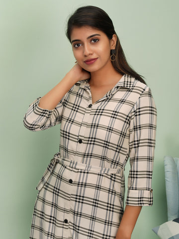 Chequered Printed Kurta with Tie-Up Belt