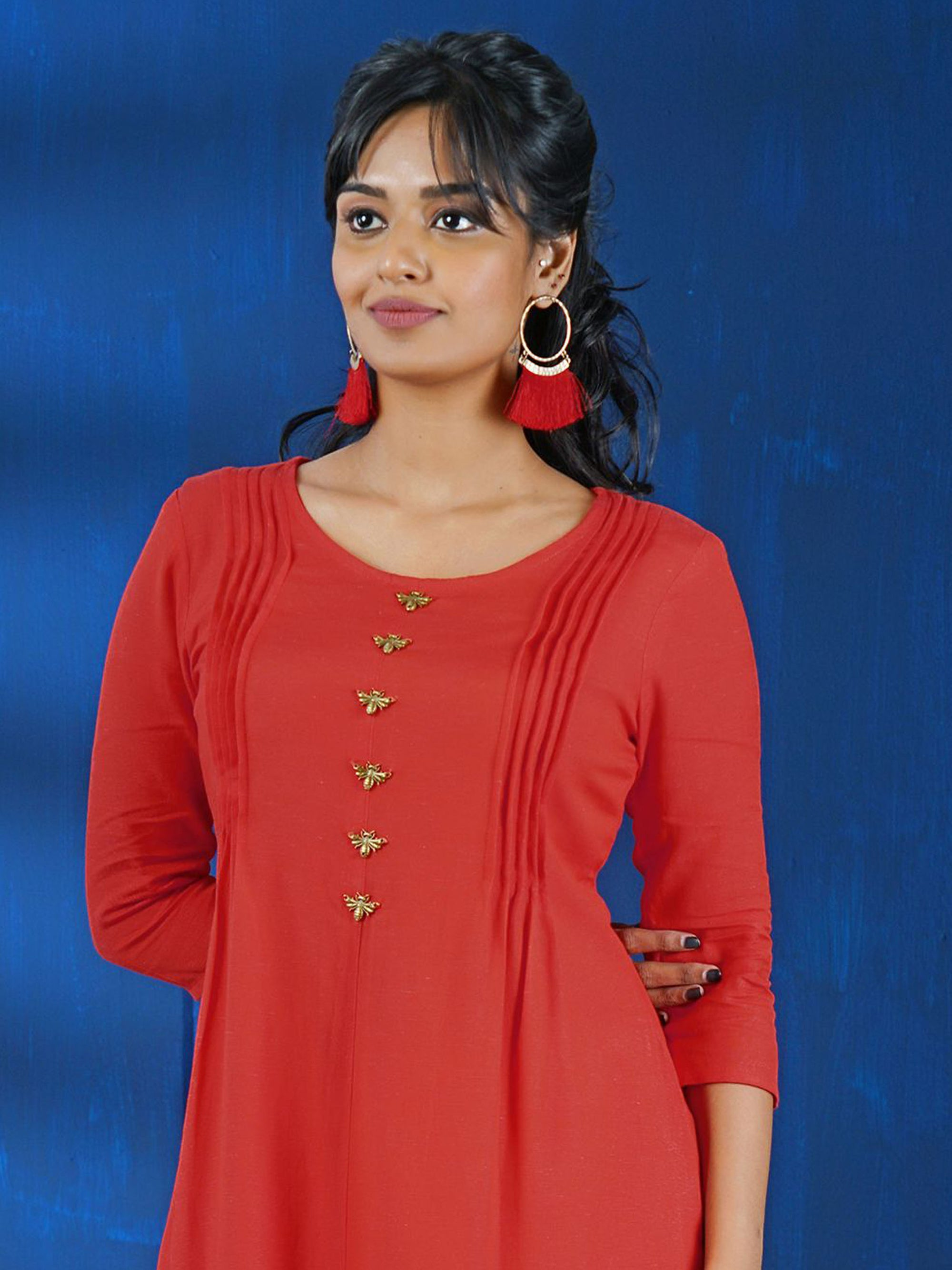 Metal Dragonfly Brooches Studded Cotton Handloom Kurti - Cardinal Peach