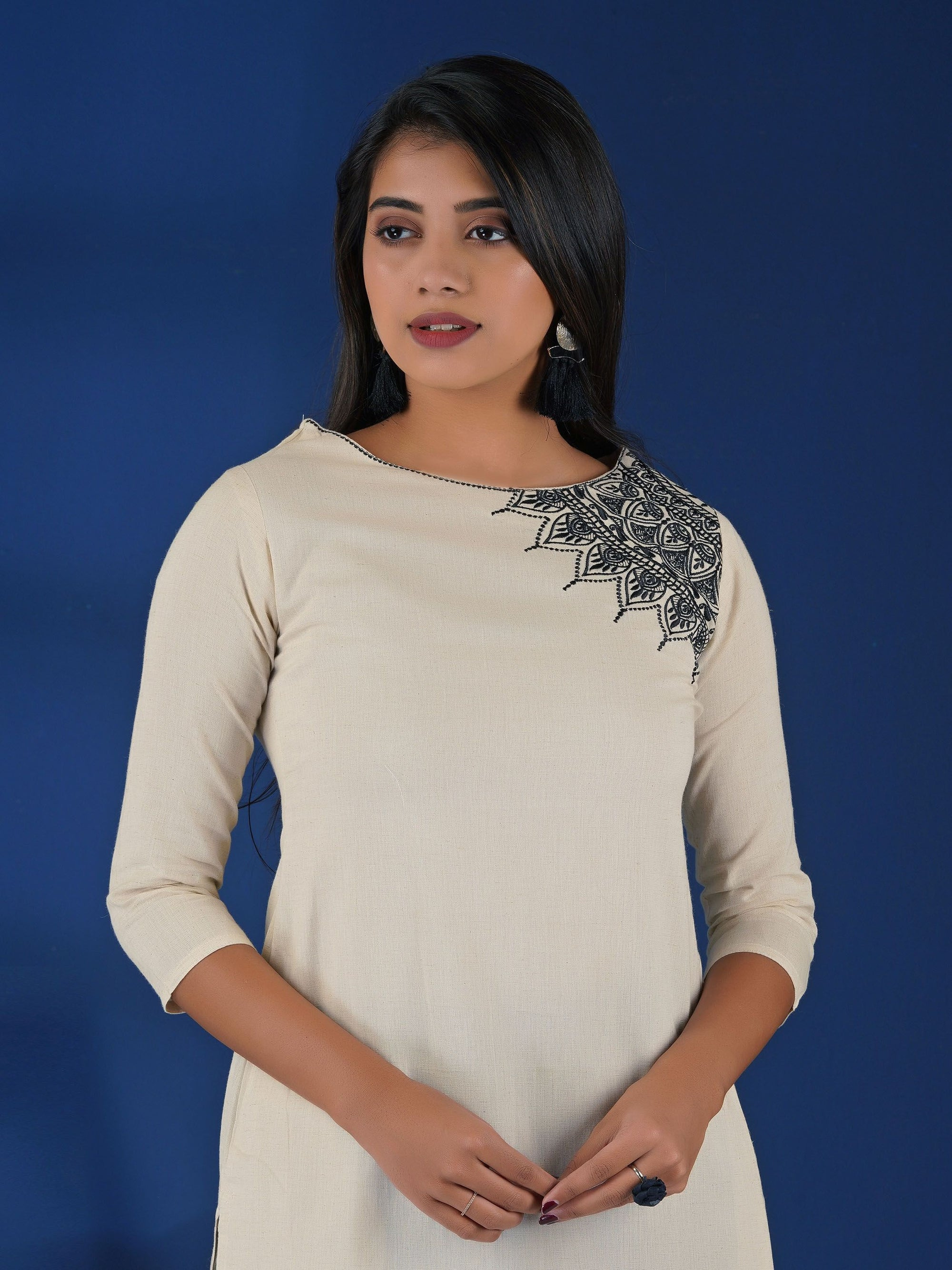 Resham Ethnic Buta Work Cotton Handloom Kurti – Off-White