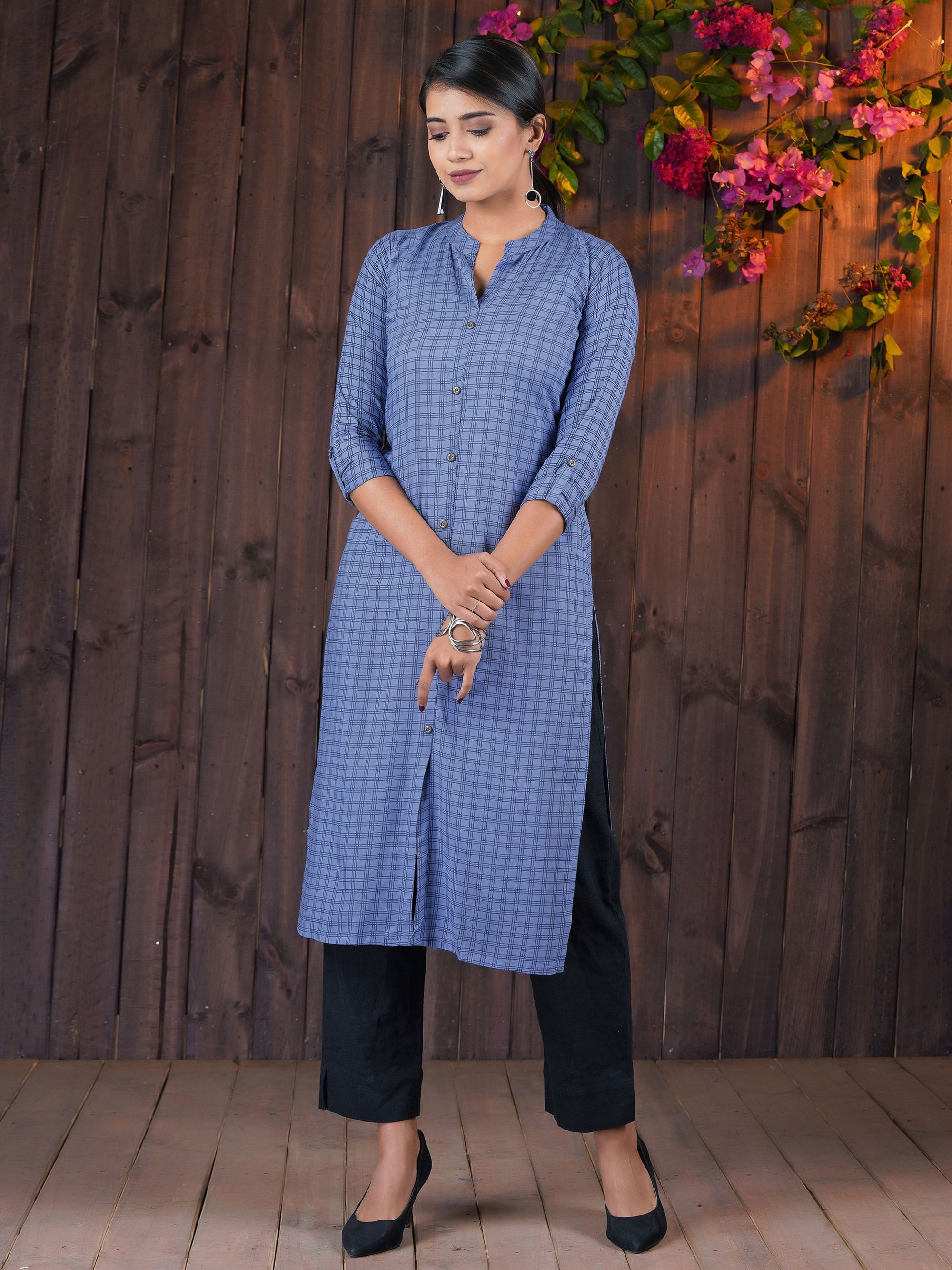 Rustic Finish Buttoned Crinkled Checkered Print Cotton Kurti – Blue