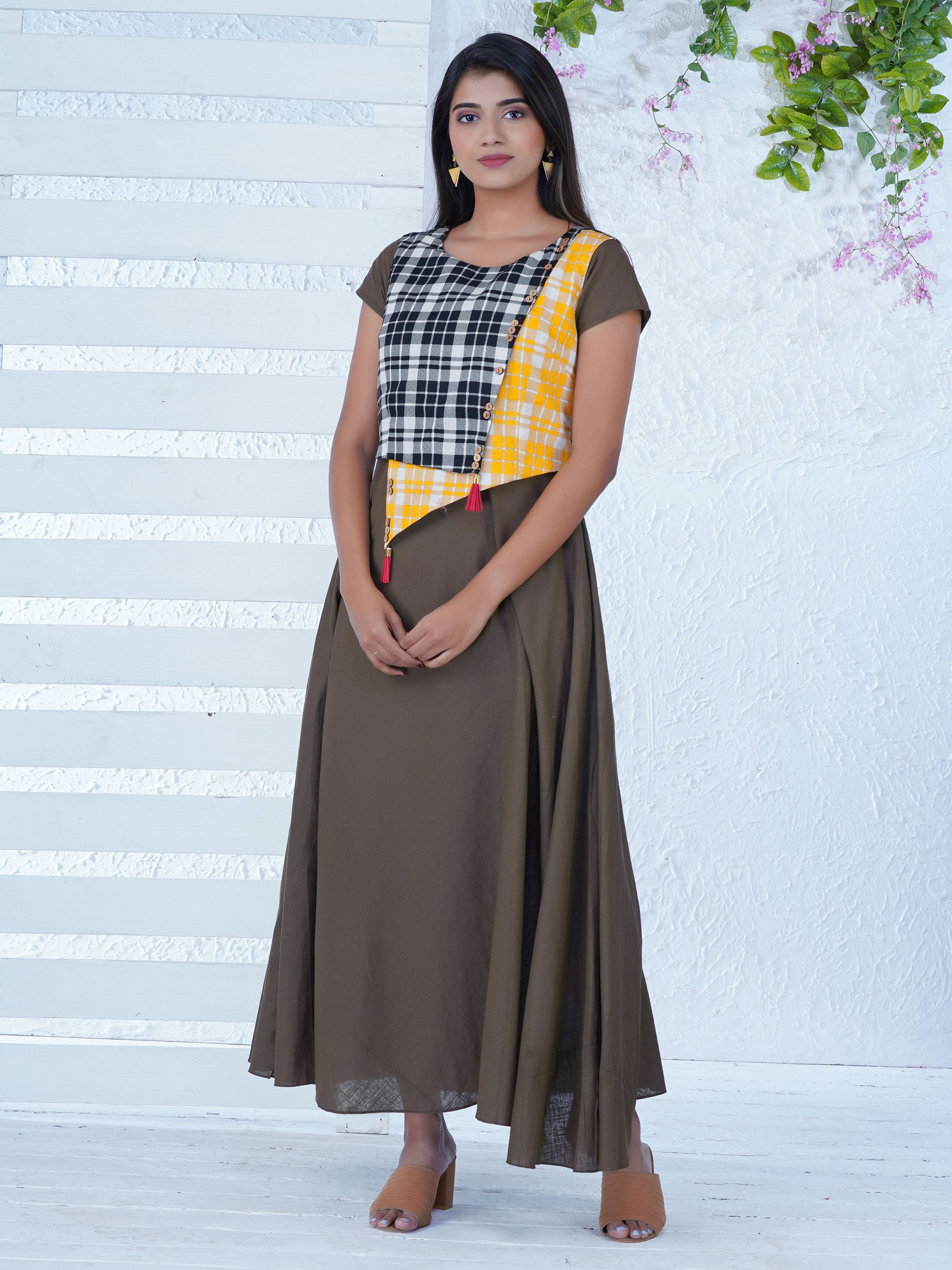 Asymmetrically Layered, Chequered & Flared Kurta