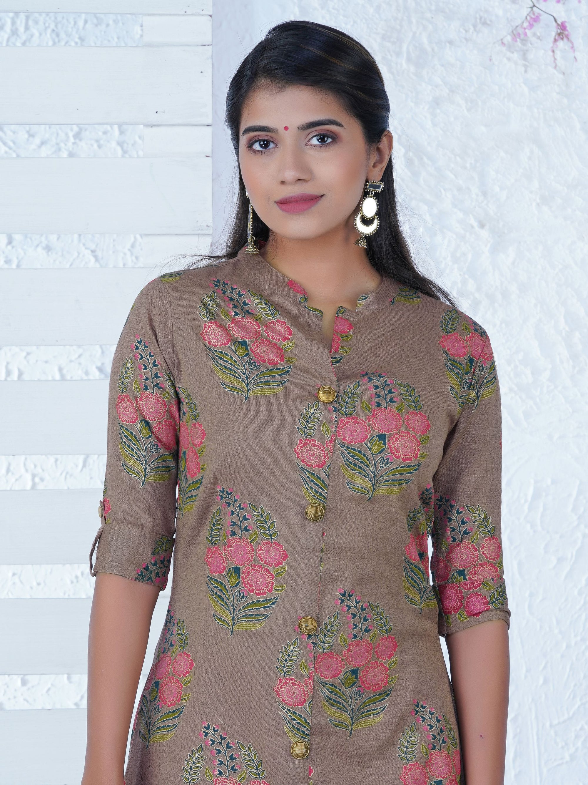 Abstract Ethnic Floral Patterned Kurta with Printed Floral Overlay