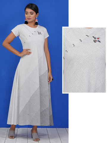 Resham Bird Buta Work Oxidised Brooch Studded Cotton Kurti – White