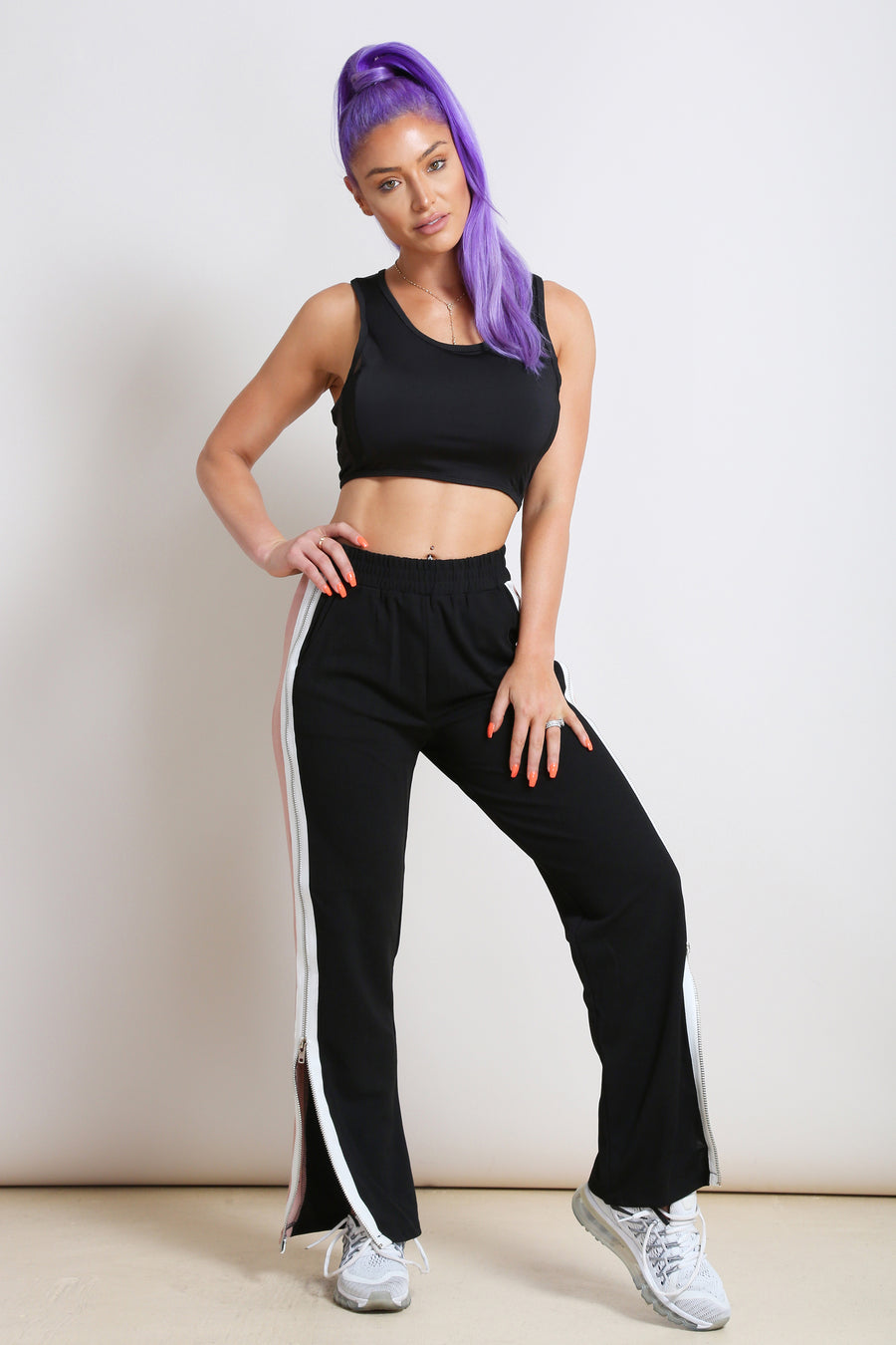 Zipper Sports Bra- Black - NEM Fashion Store