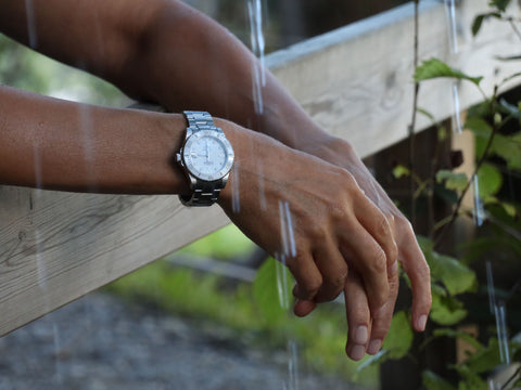 Why ladies wear watch in right hand?