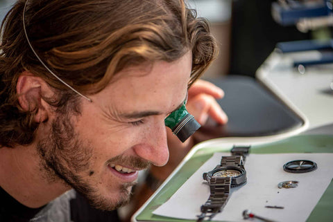 how an automatic watch movement works