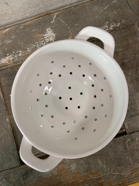 White berry colander 6""