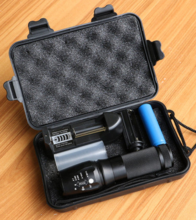 LED 1200 Lumen Tactical Waterproof Zoomable Flashlight with 18650 Rechargeable Battery + Charger