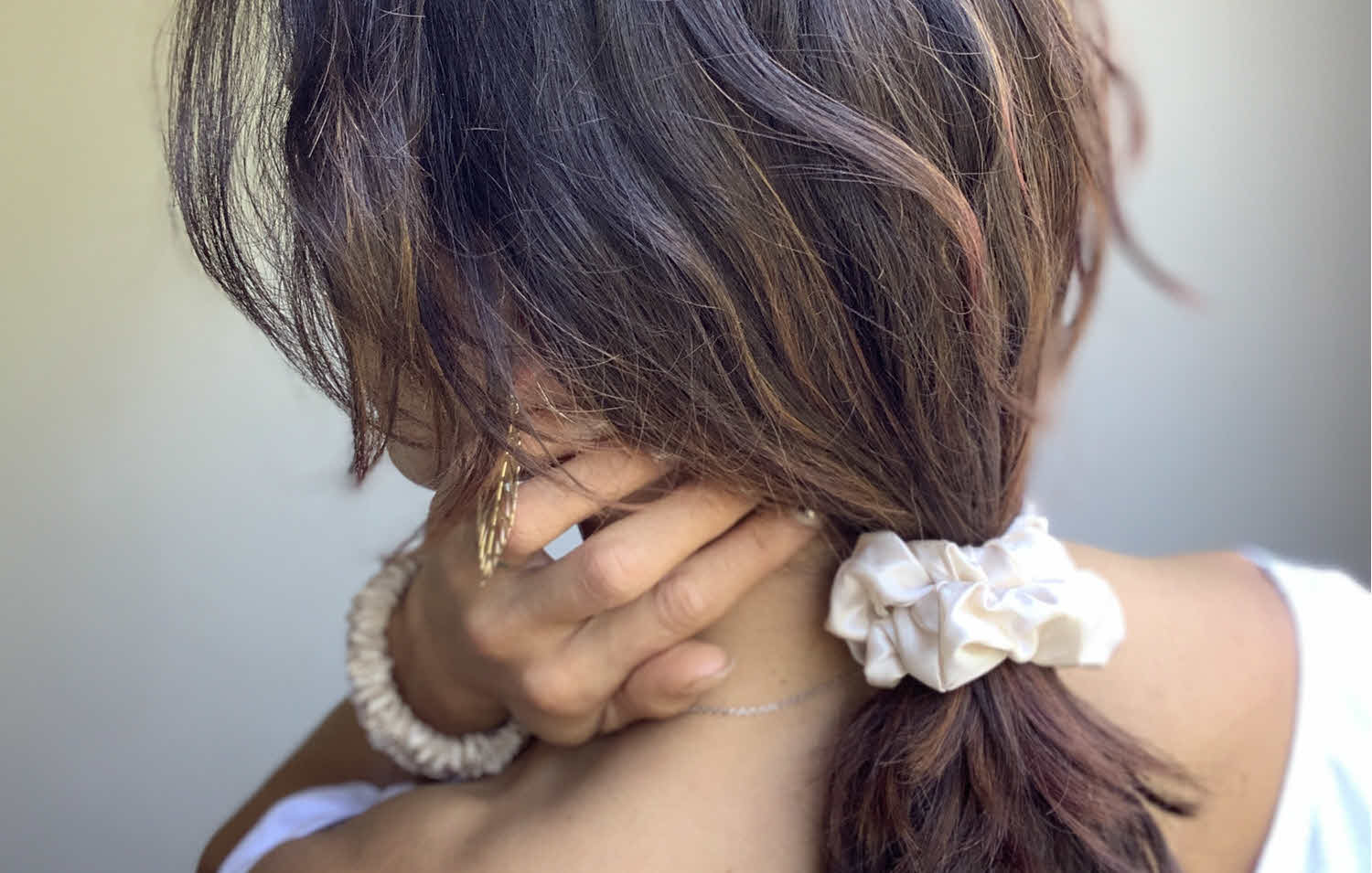 Four Surprising Benefits of Using Silk Scrunchies in Your Hair