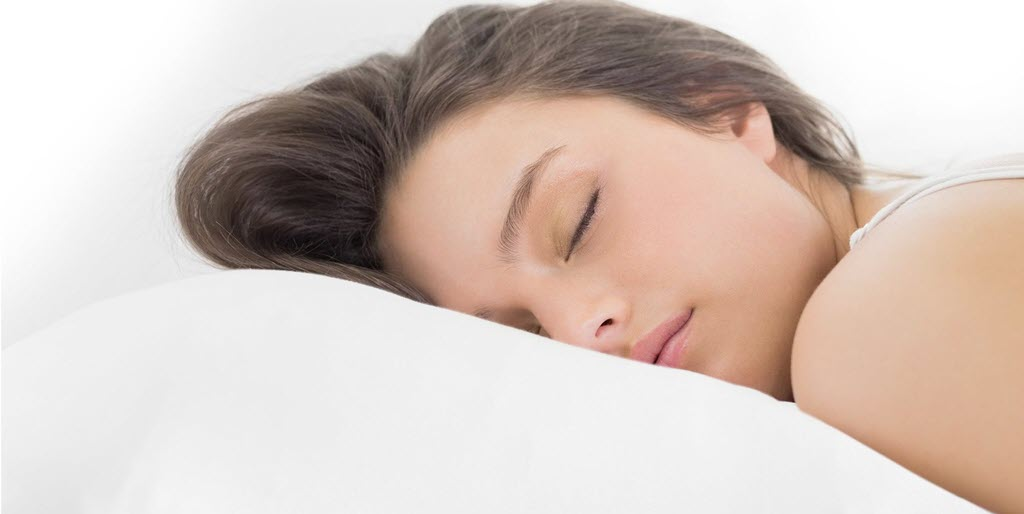 Learn about the many benefits of sleeping on silk