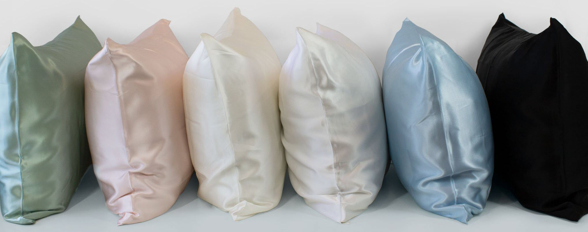 Silk pillowcases of different momme weight