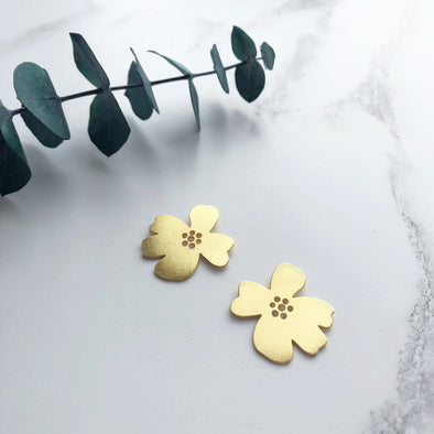 Minimal Gold Flower Stud Earrings