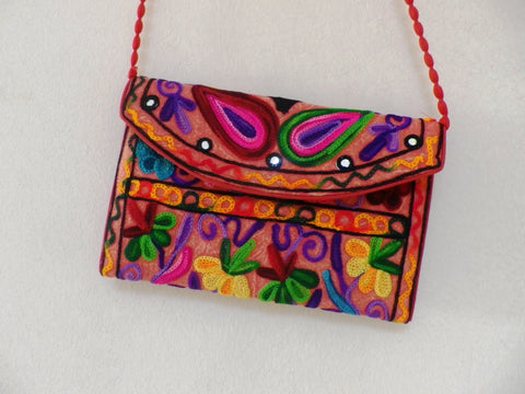 Bolso de embrague bordado flor