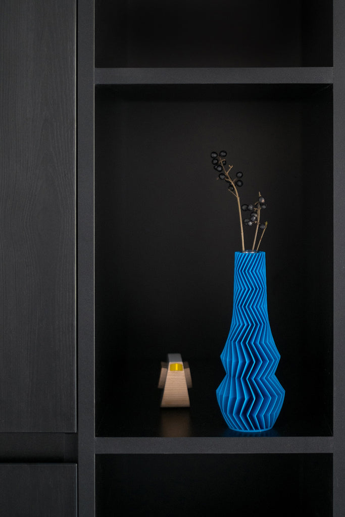 Zig Zag Vase by 3D London - VELA.Life