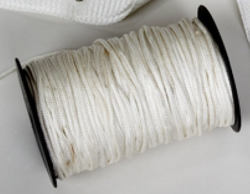 White rope mesh tube