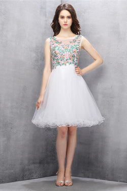 Knee-length White Tulle Homecoming Dress with Beading ED82