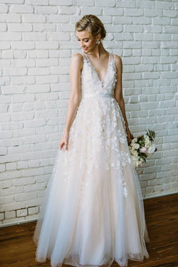 Floor Length V Neck Lace Applique Beach Wedding Dress, Puffy Tulle Wedding Gown N1637