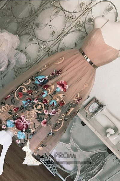 Tea Length Spaghetti Straps Homecoming Dress with Appliques, Cocktail Dresses with Belt N1845