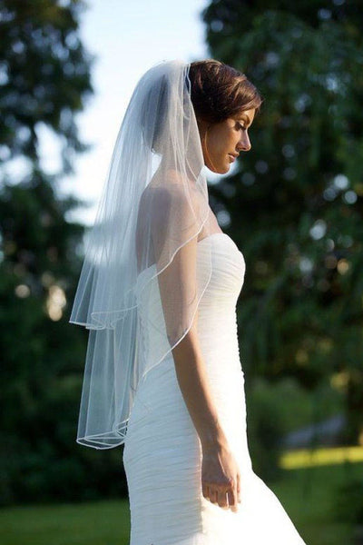 Two Tiers Tulle Bride Ribbon Edge Ivory Wedding Veils with Comb V016