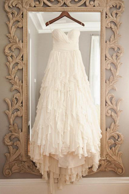 Vintage Beige Strapless Sweetheart Sleeveless Sweep Train Layers Beach Wedding Dress,N481