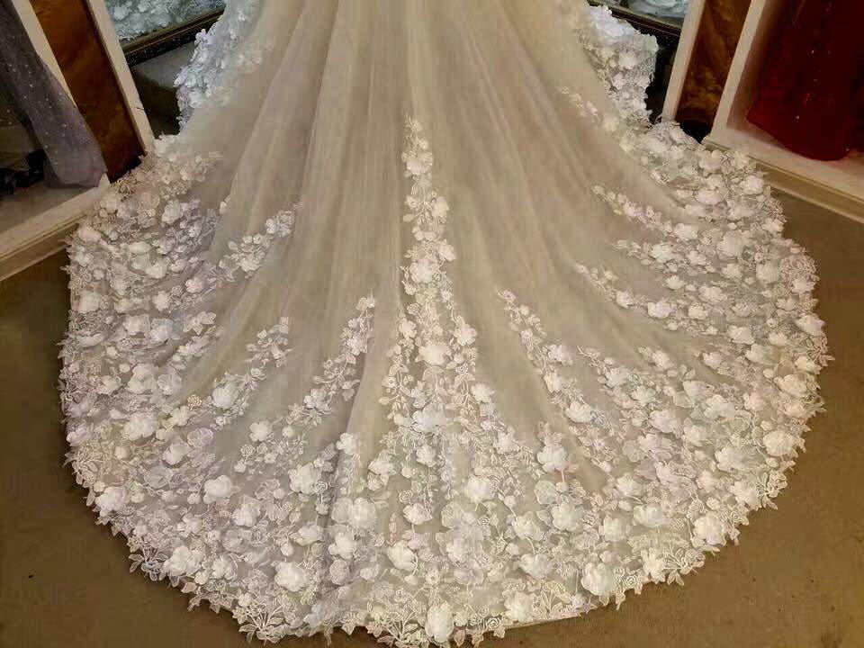 Gorgeous Sleeveless Ball Gown Appliques Flowers Court Train Wedding Dresses,N487