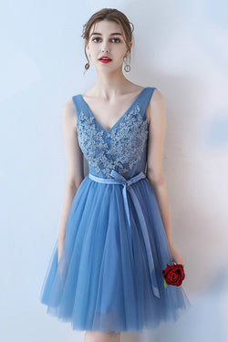 Cute Blue V Neck Sleeveless Tulle Homecoming Dress with Lace Appliques Belt N1939