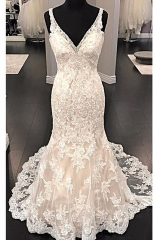 products/long_bridal_dress_with_ivory_lace.jpg
