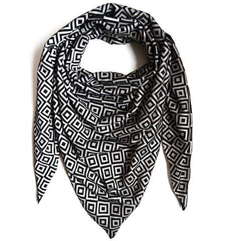 Signature ISHU Scarf in Limited Edition Black