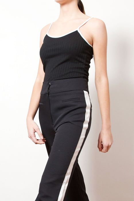Outlined Fitted Ribbed Cami