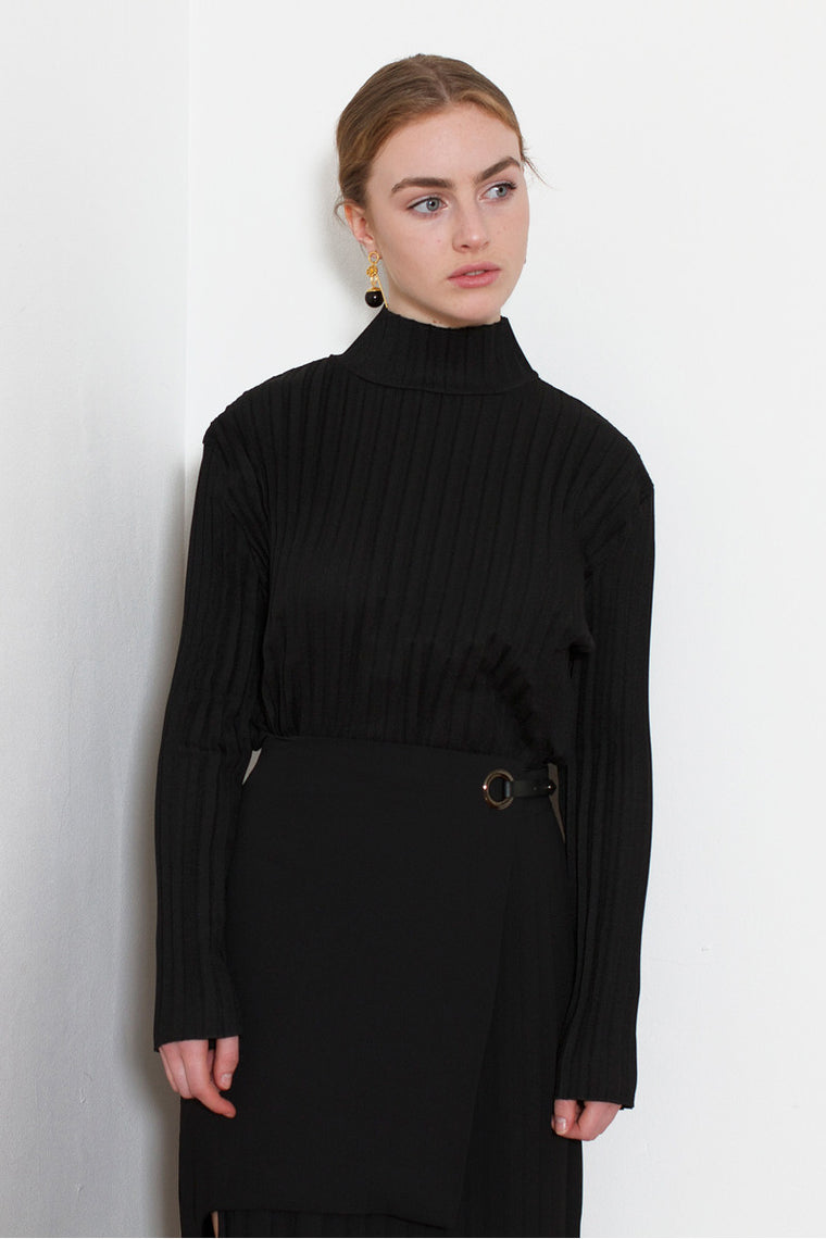 High-Neck Pleated Blouse (Black)