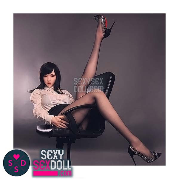 Makiko - The Sexy Long Legs Silicone Doll