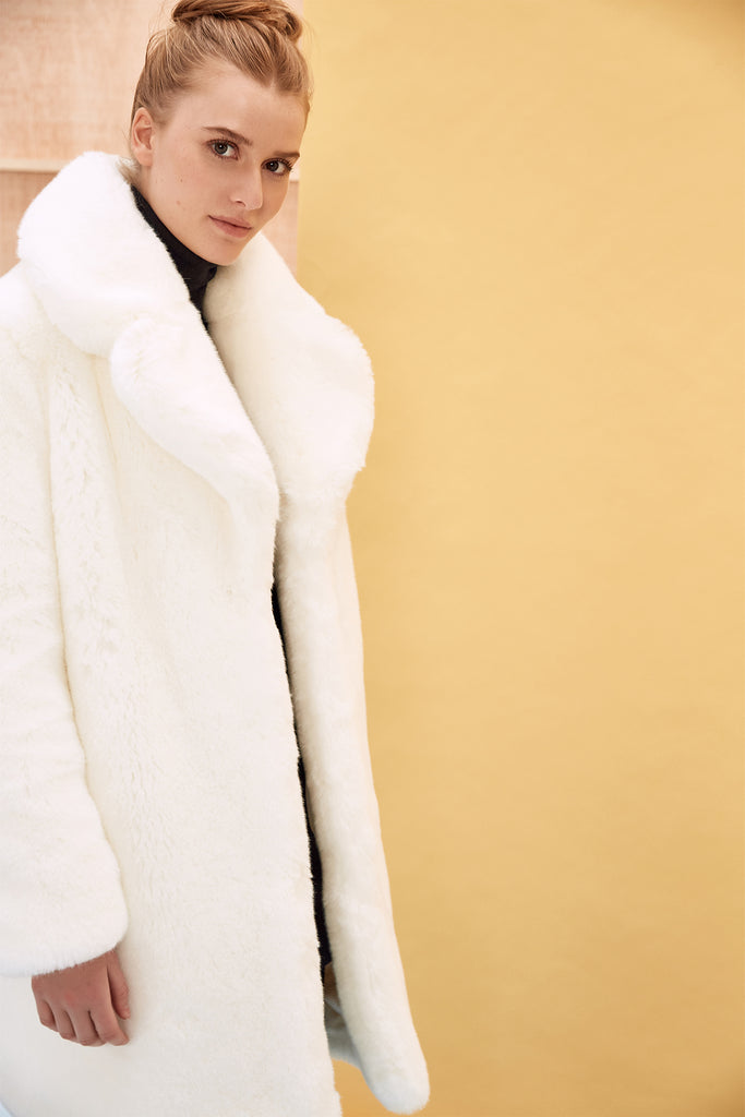 LOUVE - White Faux Fur Coat