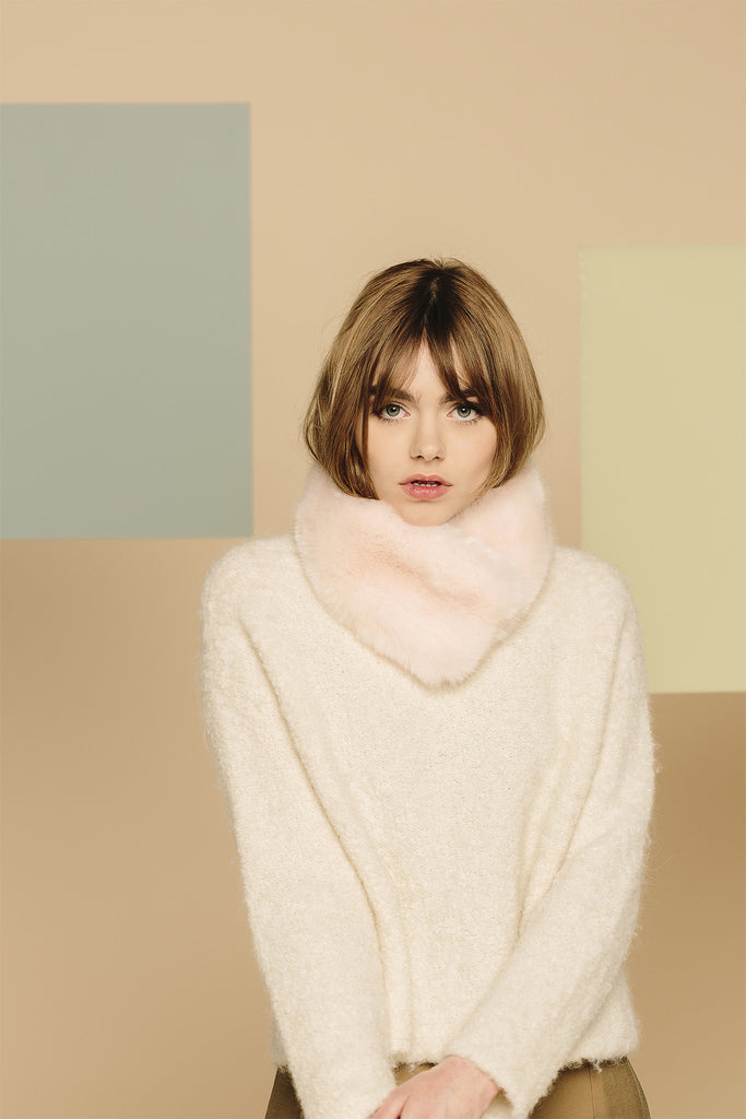 MAUDE - Pink Faux Fur Collar