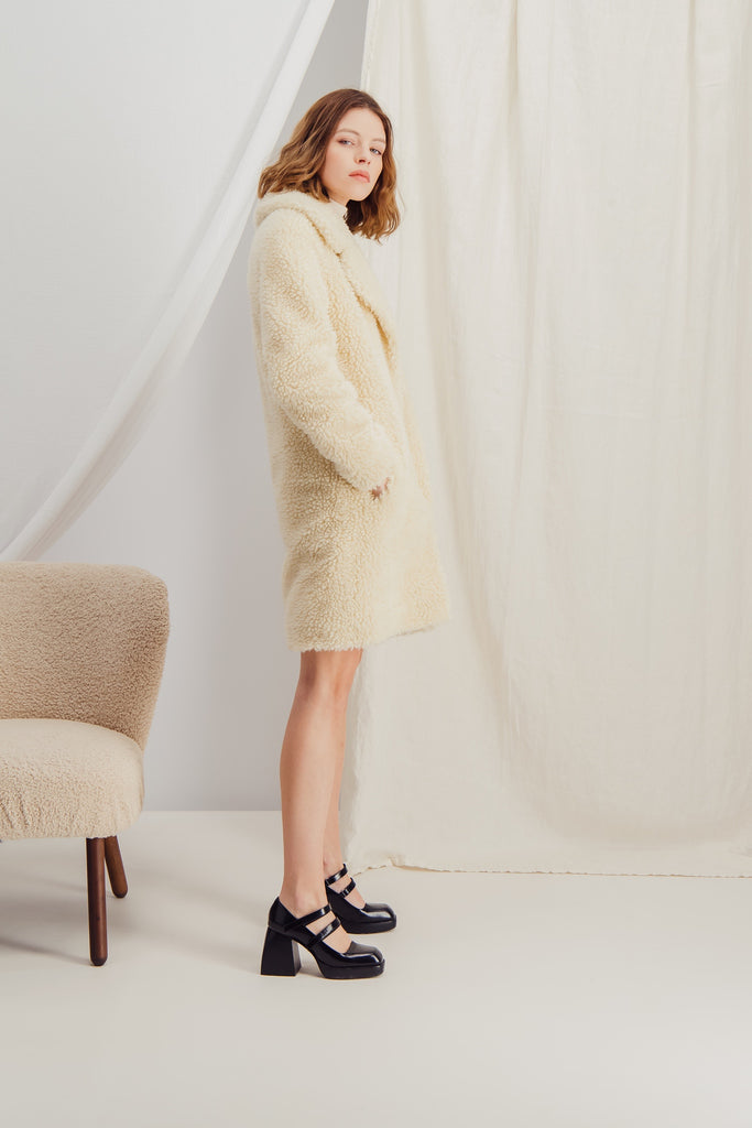 LAURA - Sustainable faux fur coat