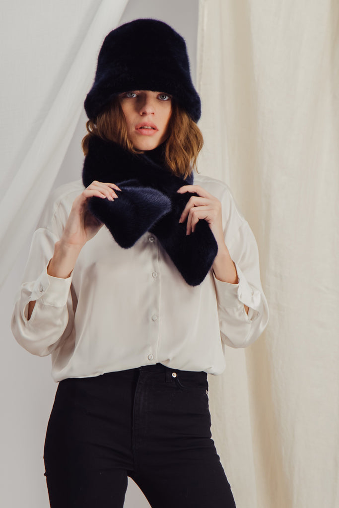 CLAUDE BOB - Sustainable Navy faux fur Hat