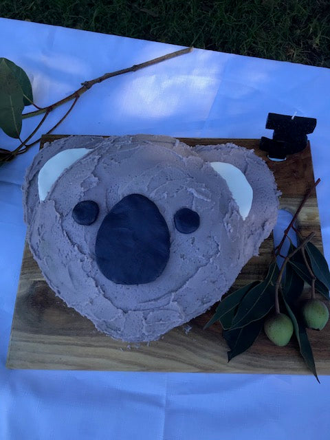 Koala Party / First birthday theme / 3rd Birthday / Australian Party Theme / Kids Birthday trends / Koala birthday / Australiana Party / Koala Cake / DIY kids party